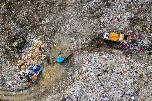 Выбросил, но не забыл: как мир решает проблему бытовых отходов